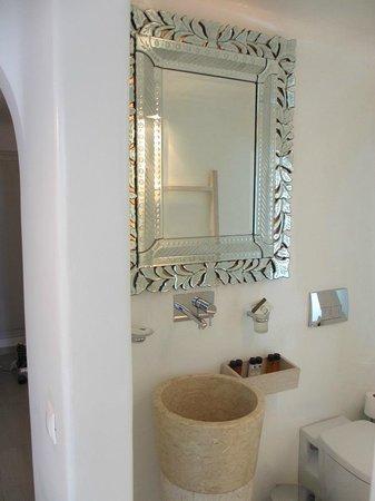 Belvedere Santorini: bathroom