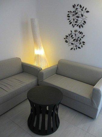 Belvedere Santorini: living room