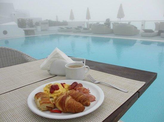 Belvedere Santorini: breakfast