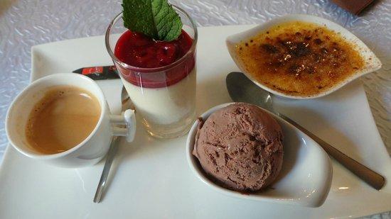 D'Stall: Café gourmand avec une panacotta délicieuse