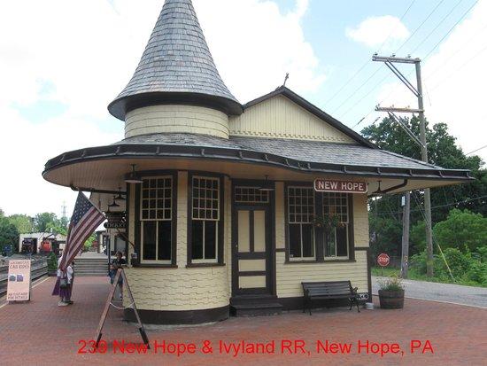 New Hope & Ivyland Railroad : New Hope Depot