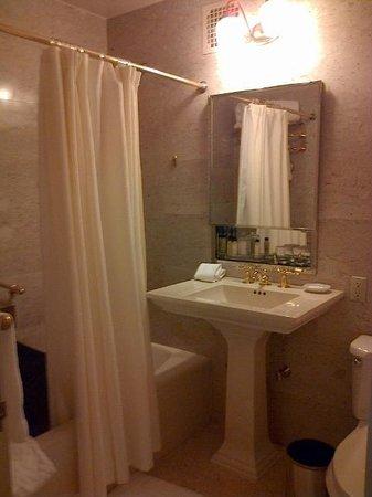 Waldorf Astoria New York: bathroom