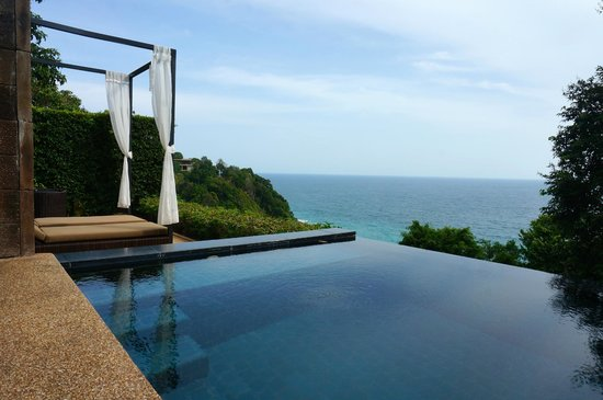 Paresa Resort Phuket : Private infinity plunge pool in our villa