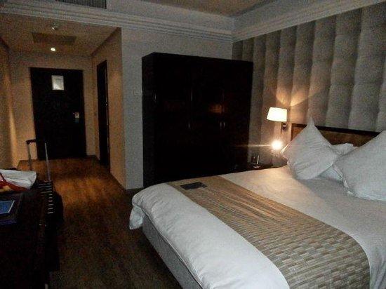 Atlas Les Almohades Casablanca: First floor bedroom