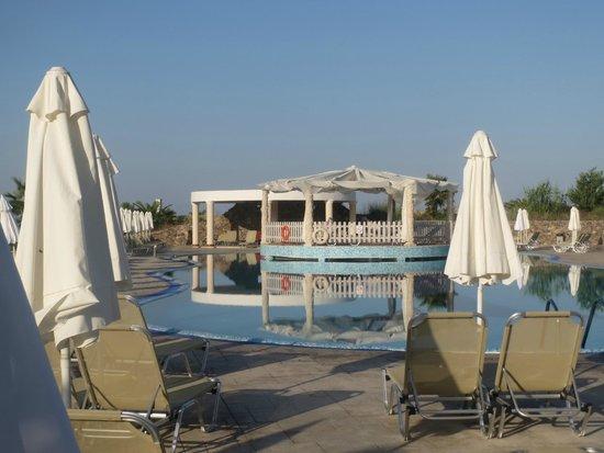 Aquis Sandy Beach Resort: Pool