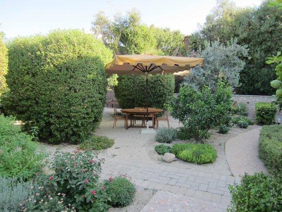 Hotel Rastoni: Garden