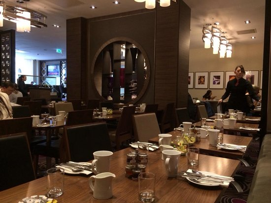 DoubleTree by Hilton Hotel London - Victoria: Restaurant