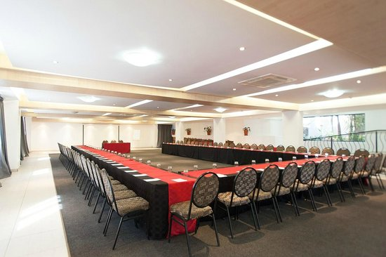 The Lakes Hotel and Conference Center: Conference 9 Up to 450 people