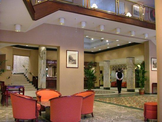 Bedford Hotel & Congress Centre : Recepción