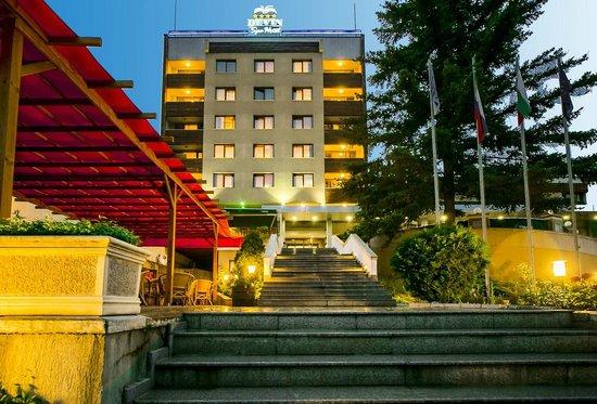 Devin Spa Hotel: Hotel Facade