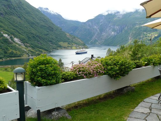 Hotel Union Geiranger: view from the terrace