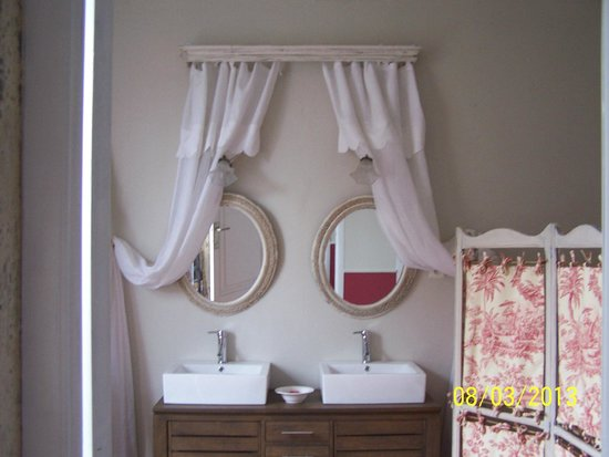 Flandes, Bélgica: Salle de bain de la suite St Joseph