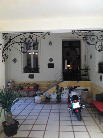 Casa Pairal: Entrance Area