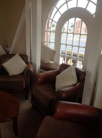 Clayton Hotel Ballsbridge: Tower Suite Lounge 2 - Bewleys Ballsbridge