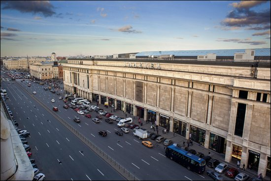 Galeria Shopping Mall: Galeria facade of the building from Ligovsky pr.