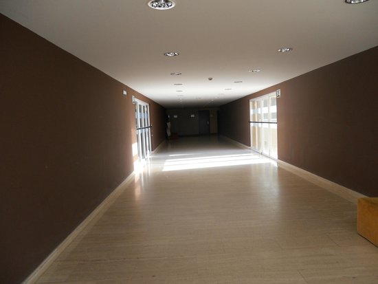 ILUNION Islantilla: Pasillo hotel