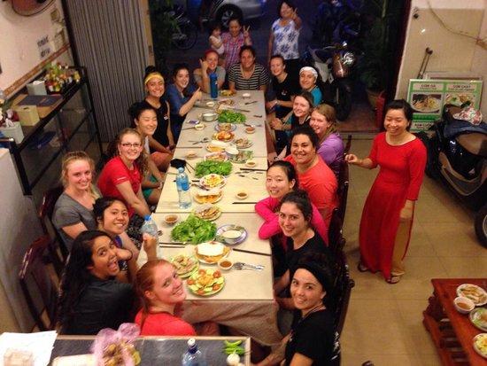 Hop Yen Hotel : party
