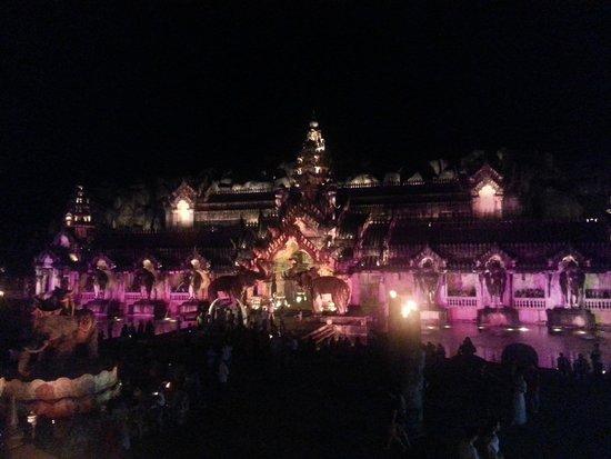 Phuket FantaSea: theatre in Purple
