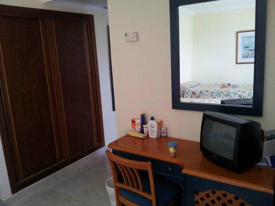 azuLine Hotel Coral Beach: Habitación