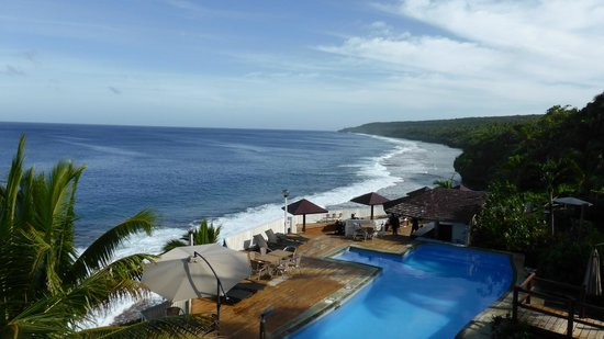 Scenic Matavai Resort Niue: Pool area and ocean view from Matavai Resort