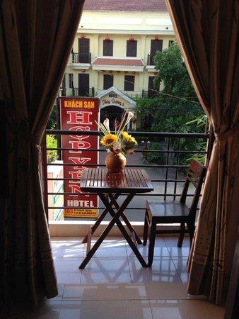 Hop Yen Hotel : Balcon