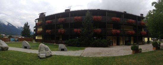 Centro Pineta Family Hotel & Wellness: Hotel e giardino
