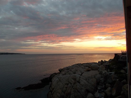 Bearskin Neck Motor Lodge : Sunrise on 7-7-14