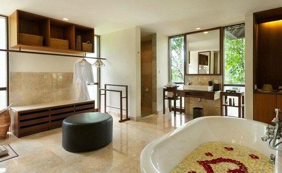 Komaneka at Bisma: Bathroom of Bisma Residence
