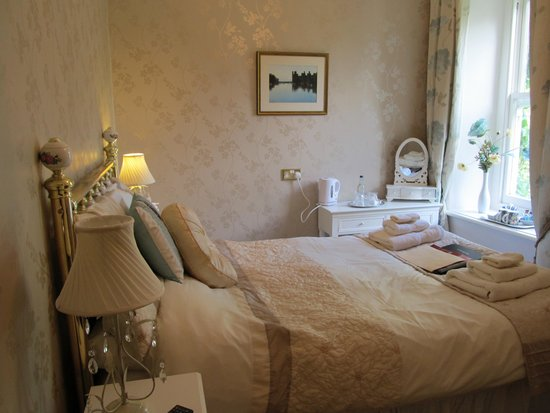Afon Rhaiadr Bed and Breakfast: Bedroom 3