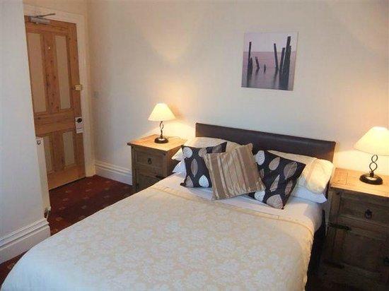 Holmleigh Guest House: Double En Suite Room 2