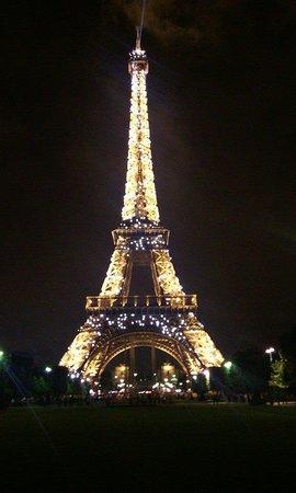 Tour Eiffel : flickering lights