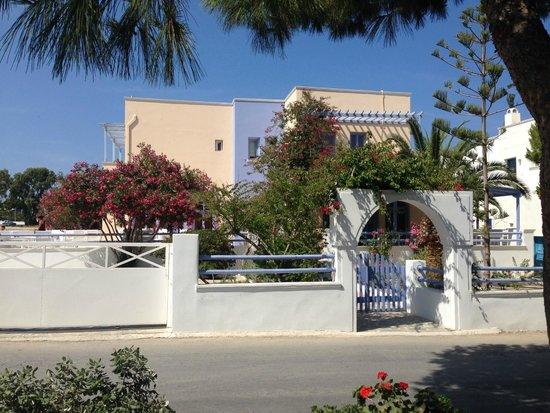 Acqua Vatos Hotel: Entrance gate