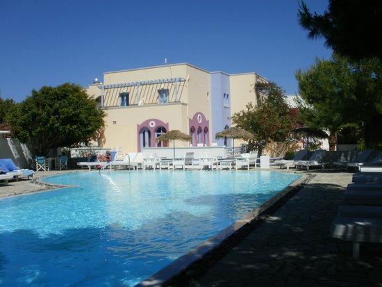 Acqua Vatos Hotel: Pool view