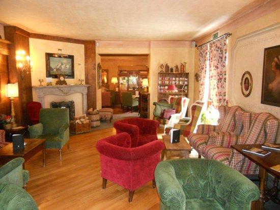 Villa Novecento Romantic Hotel : sala lettura, adiacente alla reception