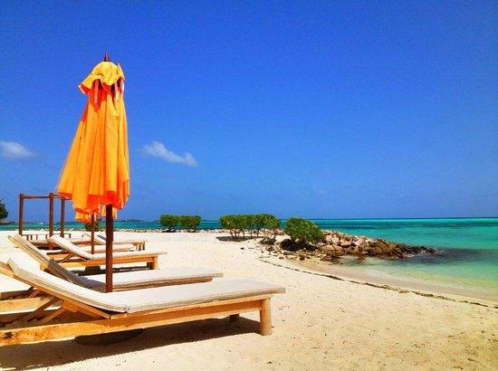 LUX* South Ari Atoll: Beach