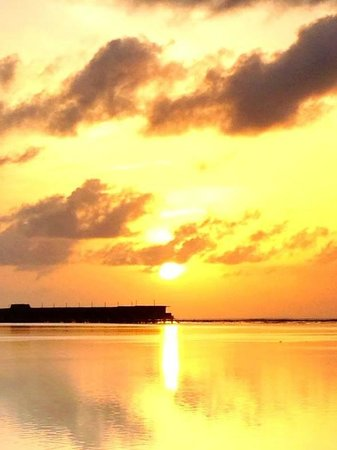 LUX* South Ari Atoll: Sunrise from outside my room