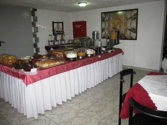 Hotel Liogerma: Breakfast