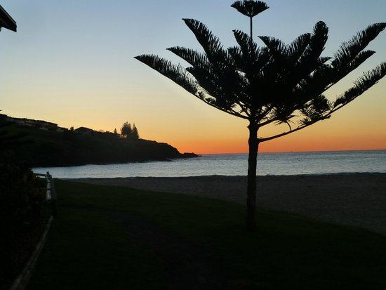 BIG4 Easts Beach Holiday Park: East Beach at Dawn