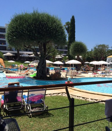 Aquis Park Hotel : View from pool bar