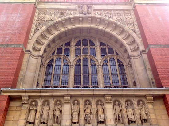 Barber Center : Barber Institute of Fine Arts: The exterior of Aston Webb Great Hall ...