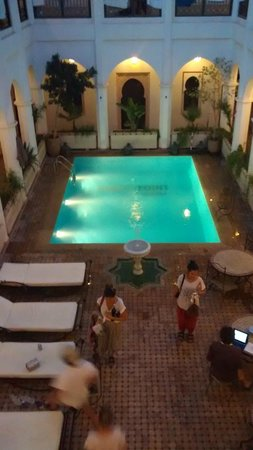 Equity Point Marrakech Hostel: The swimming pool !!