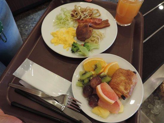 Vessel hotel campana Okinawa: YUMMY!