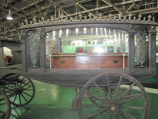 Outeniqua Transport Museum: Horse drawn funeral carriage