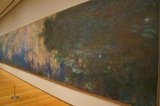 The Museum of Modern Art (MoMA) : water lilies - Claude Monet