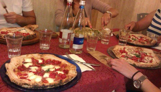Pizzeria Starita a Materdei: Poker di pizze