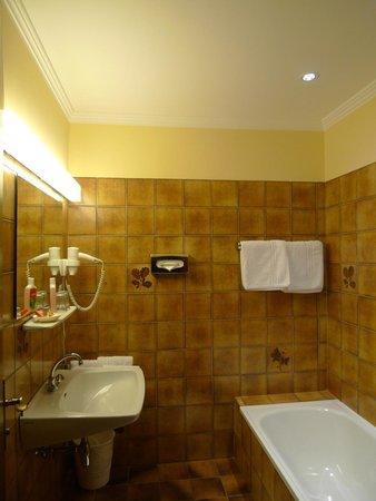 "Pension Ronacherhof: Bathroom Roomtype ""Panoramablick"""