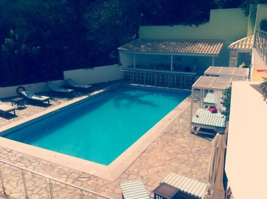Sunday Life : piscine hotel