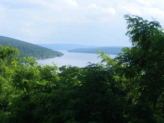 Esperanza Mansion: View of Keuka Lake