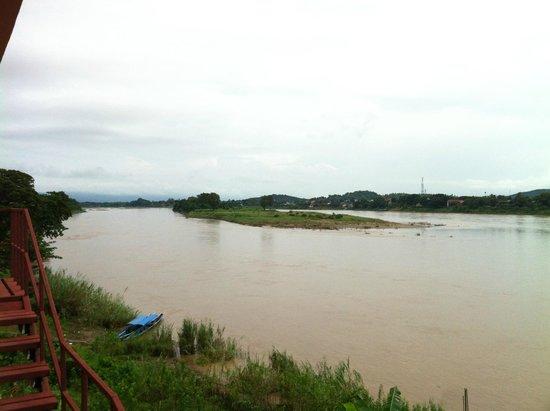 Riverside Houay Xai: Island view from the back door