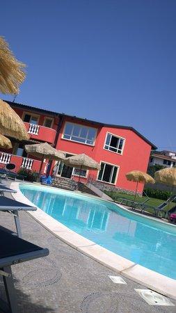 Hotel Residence Borgo di Santa Barbara: the pool